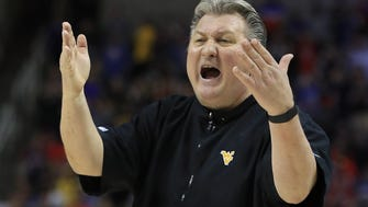 SAN JOSE, CA - MARCH 23:  Head coach Bob Huggins of the West Virginia Mountaineers reacts against the Gonzaga Bulldogs during the 2017 NCAA Men's Basketball Tournament West Regional at SAP Center on March 23, 2017 in San Jose, California.  (Photo by Sean M. Haffey/Getty Images) ORG XMIT: 686517279 ORIG FILE ID: 657089320
