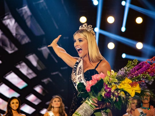 Sarah Rose Summers, Miss Nebraska, waves to the crowd after she's crowned Miss USA.
