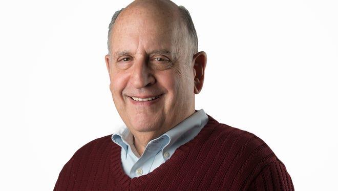 WASHINGTON, DC - JANUARY 15:   Washington Post Financial Columnist Allan Sloan in Washington, DC on January 14, 2015.       (Photo by Linda Davidson / The Washington Post)