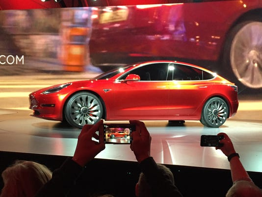635951015625402735-Tesla-Lower-Priced-Ca-Davi.jpg