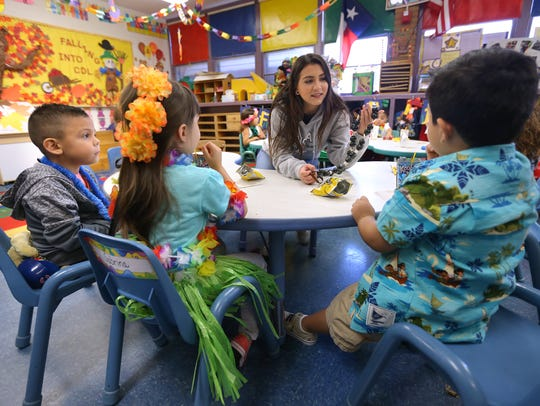 Burges Senior Jennifer Lopez works with pre-kinder