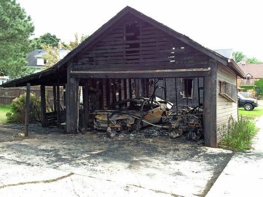 636072267488051395-she-n-Garage-Fire-0819-gck-01.jpg