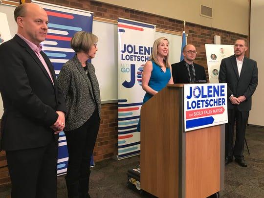 Sioux Falls mayoral candidate Jolene Loetscher announced