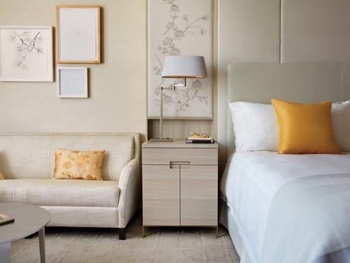 Four Seasons Hotel Toronto_Tornto_Ontario_Room