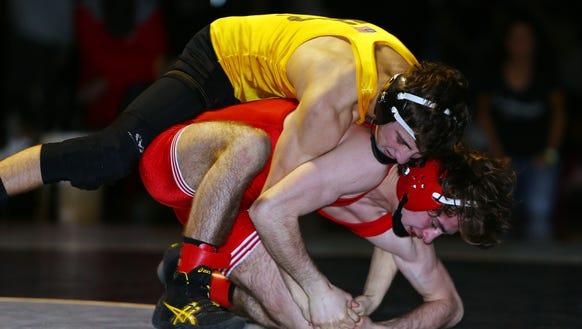 Joey Oliveri of Hanover Park vs. Quinn Melofchik of
