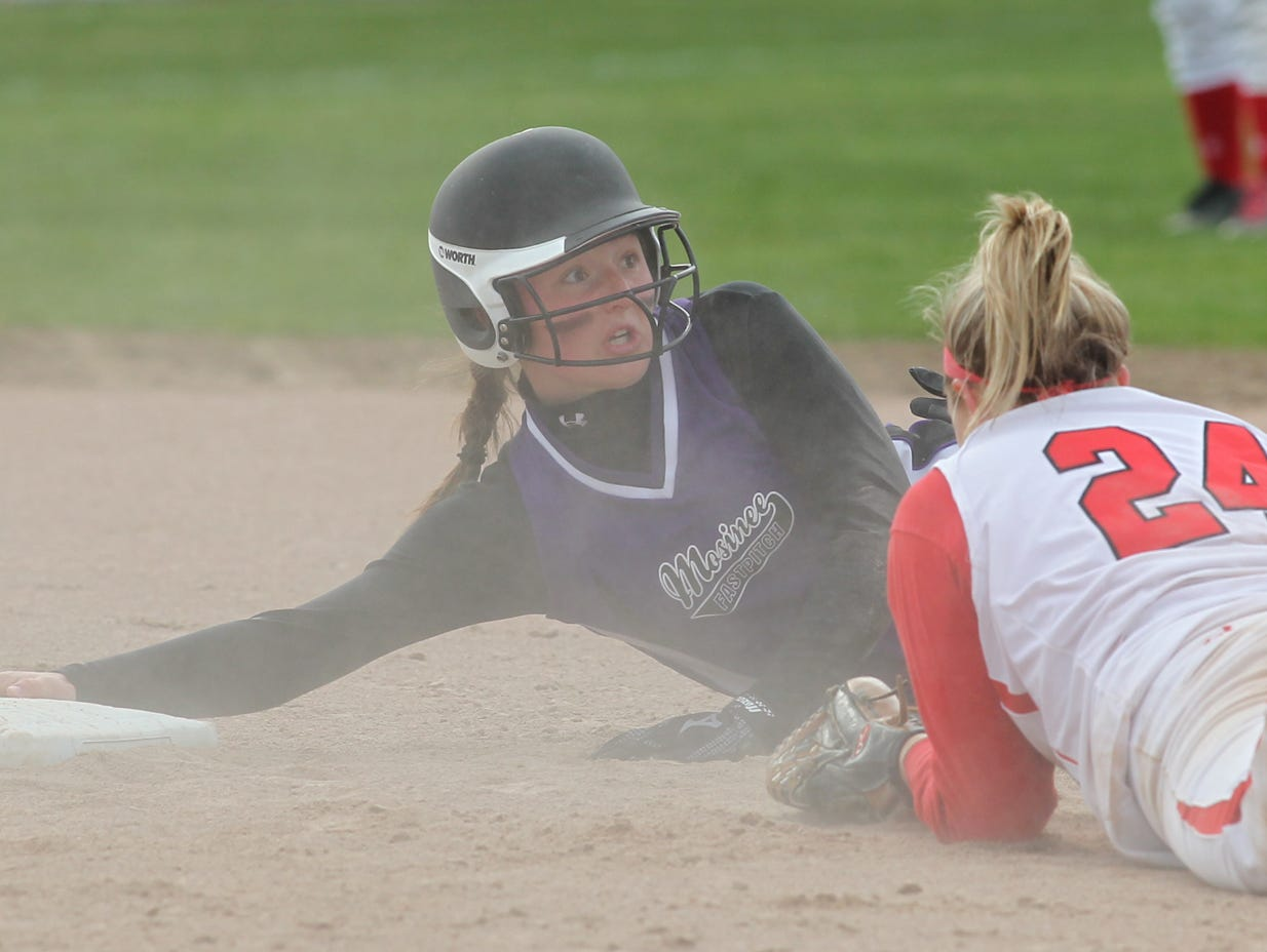 Mosinee's Bailey Schultz made a commitment to the University of Wisconsin-Green Bay softball team official Wednesday.