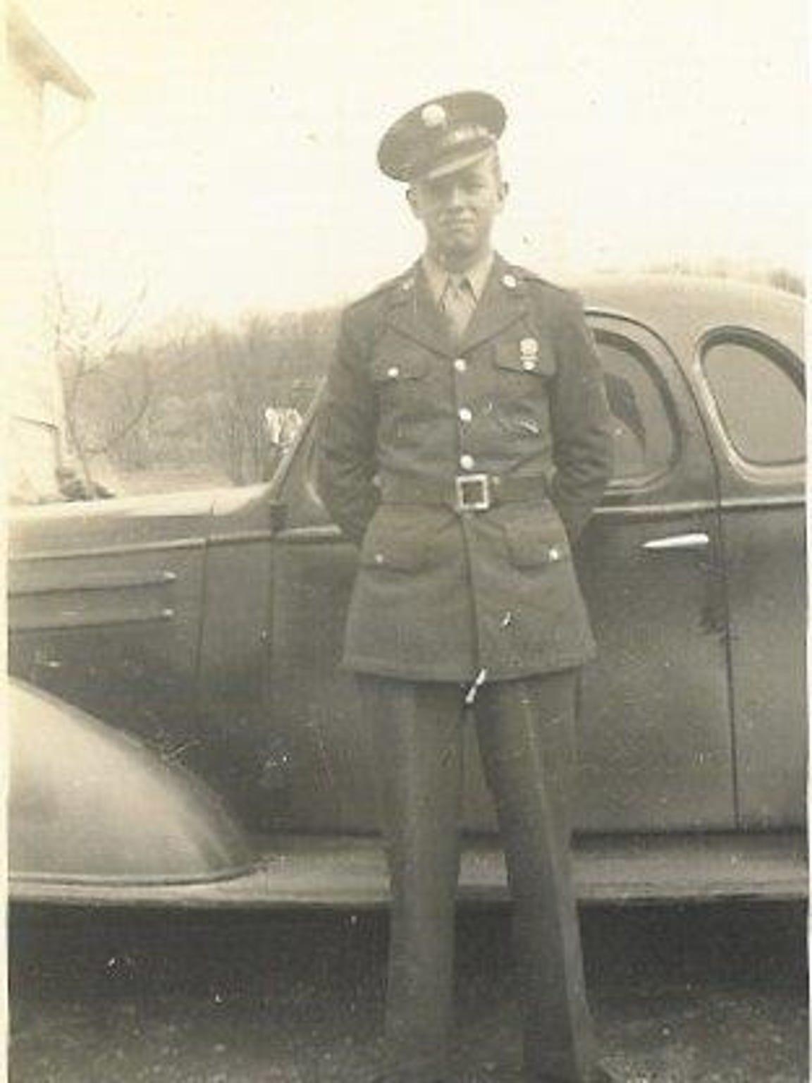 Glenn Mounts in uniform, circa 1945.
