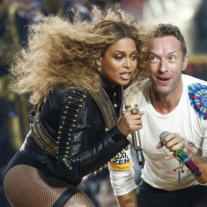 Beyonce performs with Coldplay's Chris Martin at Sunday's