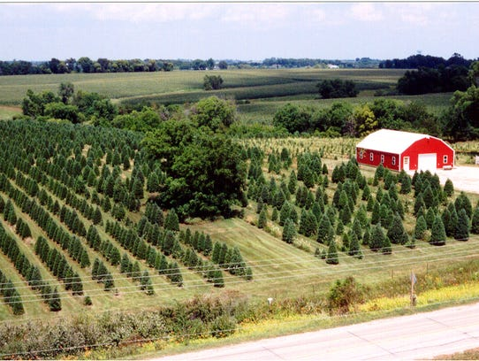 Walnut Ridge Farm is located at 1400 E Hillcrest Ave,