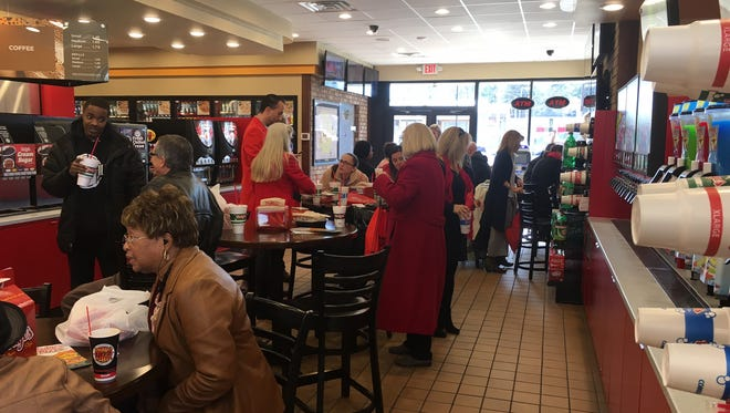 Dodge's Fried Chicken held a private grand-opening luncheon Monday at its new North Highland location. This is Dodge's second Jackson location.