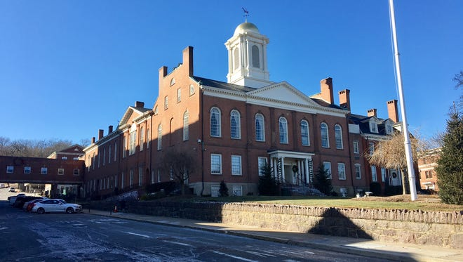 A new courthouse complex is one of the hot issues for Morris County freeholder candidates.