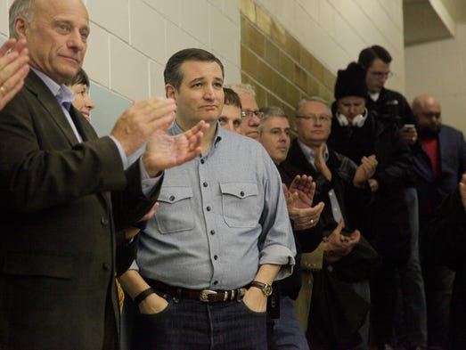 Senator Ted Cruz campaigns at Goldfield Old Schoolhouse