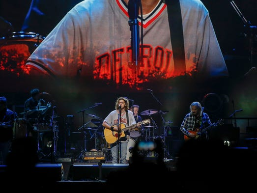 Eagles bring new voices classic songs in sentimental for Classic house songs 2000