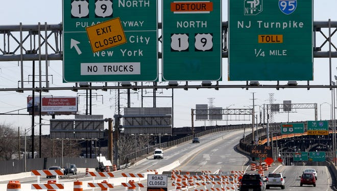 Vehicles approach highway 1 & 9, right, just south of the Pulaski Skyway ramp, in Newark, N.J., on April 12, 2014, after the northbound side of the Pulaski Skyway was closed for a scheduled two years for $1 billion in repairs to the aging bridge.