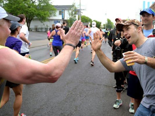 636287344399156636-2016-Marathon-02.jpg