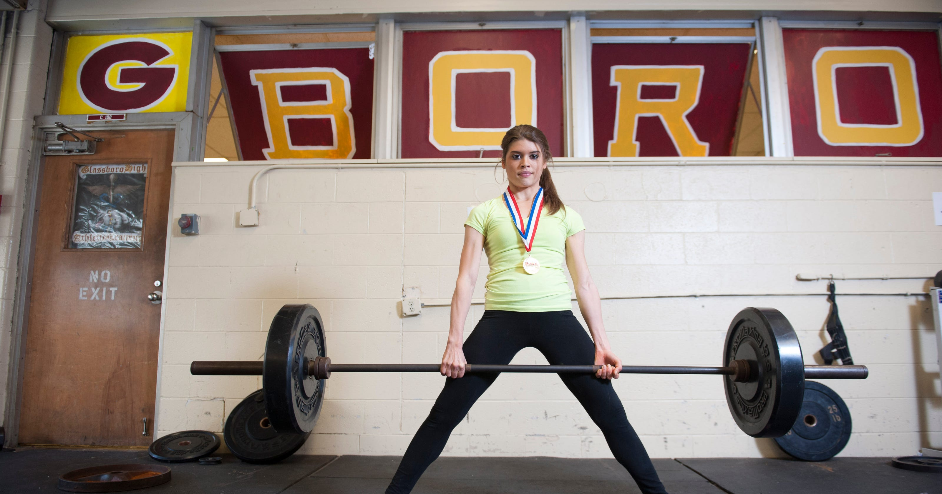 Glassboro teenage girl sets U S  record in deadlift