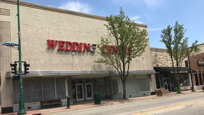 The former Wedding Centre, the largest retail space on Greenfield Avenue downtown, is slated to become a store that sells high-end antiques. The Wedding Centre closed in February 2017.