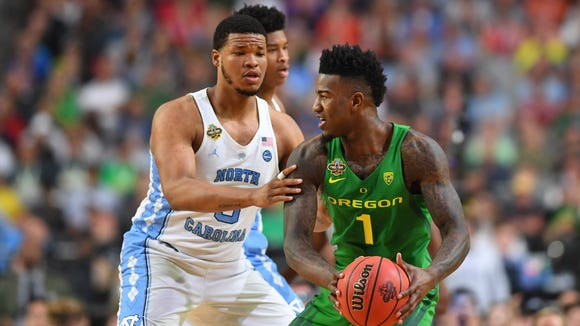 Apr 1, 2017; Glendale, AZ, USA; Oregon Ducks forward Jordan Bell (1) is defended by North Carolina Tar Heels forward Kennedy Meeks (3) in the first half in the semifinals of the 2017 NCAA Men's Final Four at University of Phoenix Stadium. Mandatory Credit: Bob Donnan-USA TODAY Sports
