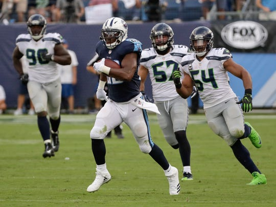 Tennessee Titans running back DeMarco Murray leaves