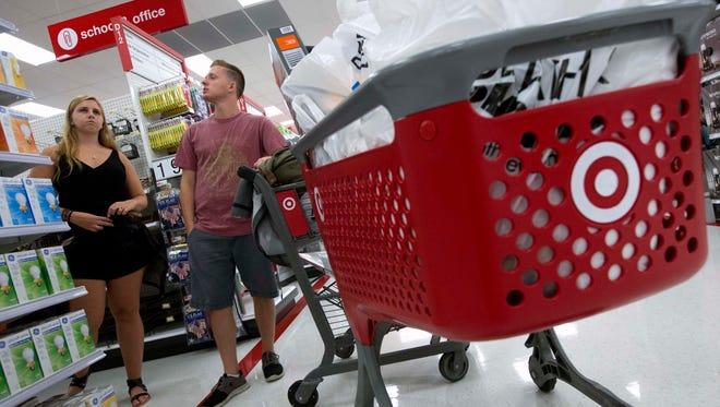 Consumer spending drove economic growth in the fourth quarter.