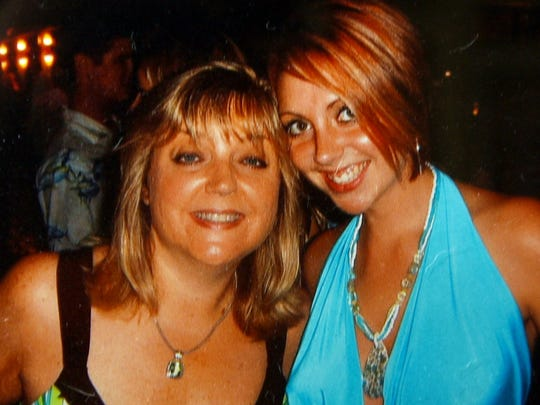 A photo of Casey Colley and her mother Tammy Ain Willson.