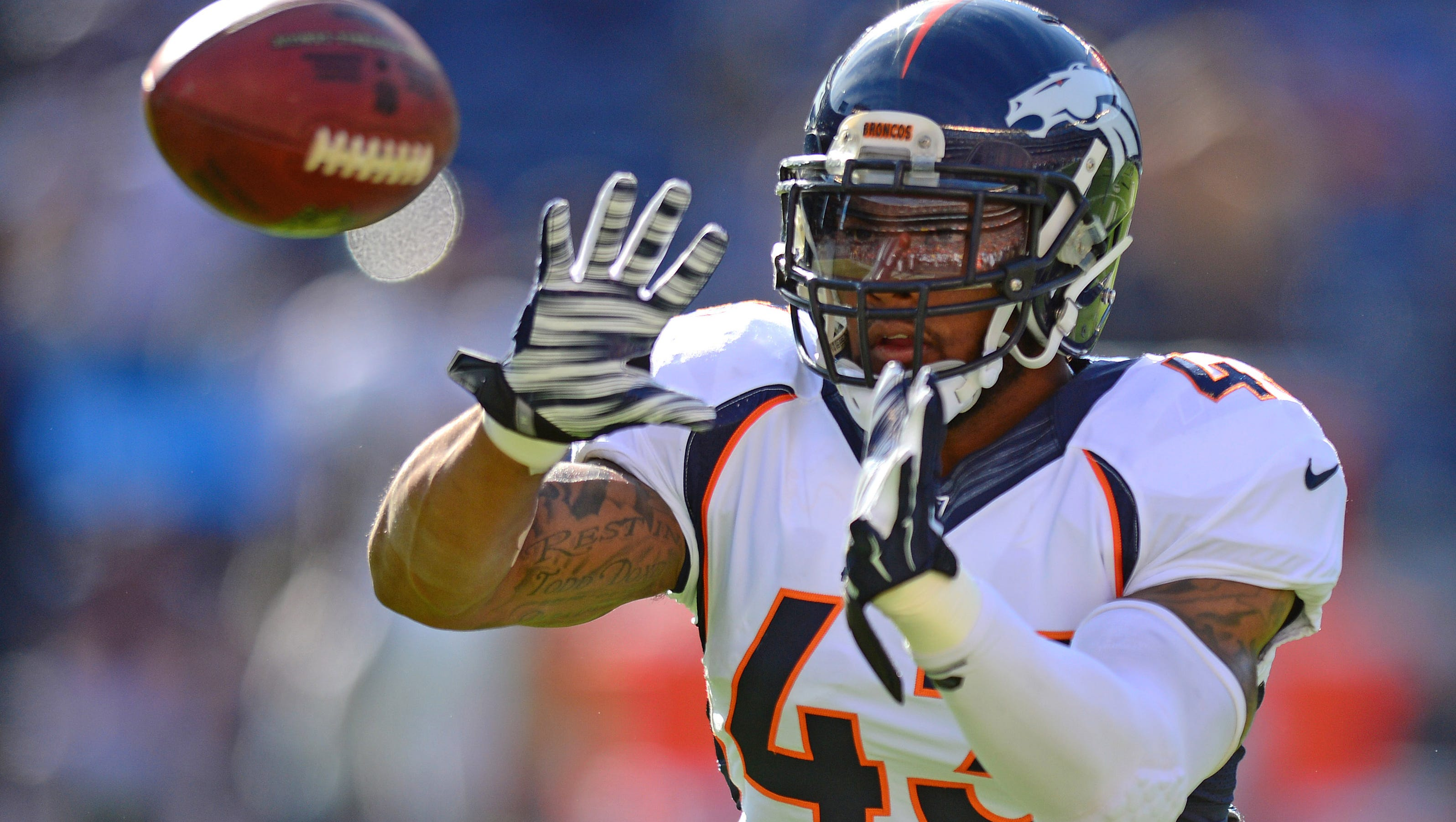 Broncos Defense Stays Focused On Ultimate Goal