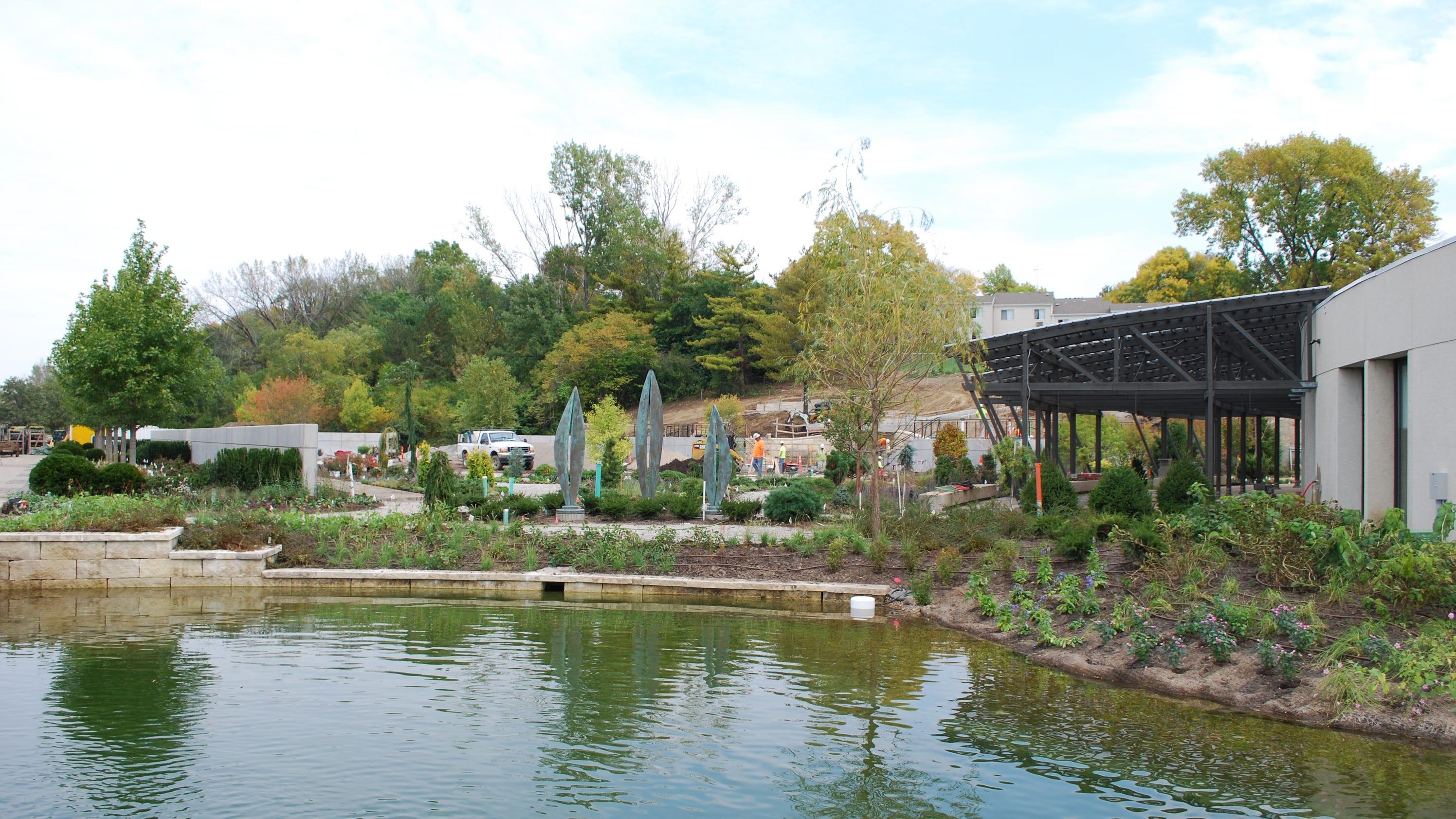 Biz Buzz Botanical Gardens To Show Off Outdoor Space