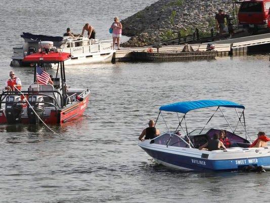 Boating 01.jpg
