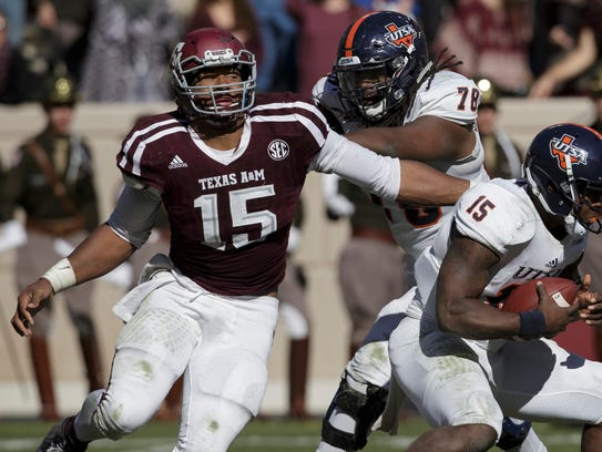 Texas A&M defensive lineman Myles Garrett (15).