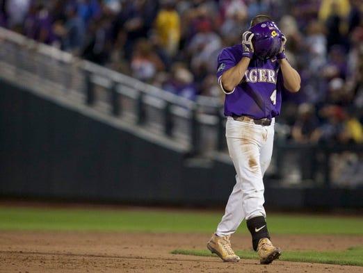 Usp Ncaa Baseball College World Series Florida Lsu Dads Save