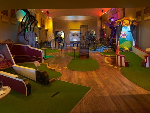 how to build an indoor putt putt course