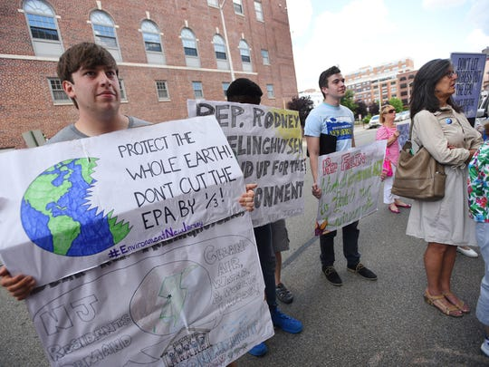 Mark Spivey (L), a member of Environment New Jersey