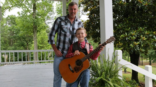 Darryl Worley and Zane Bolton, after they recorded this PSA: http://youtu.be/94CH9q1SL7o — with Darryl Worley at Plantation at Pickwick.
