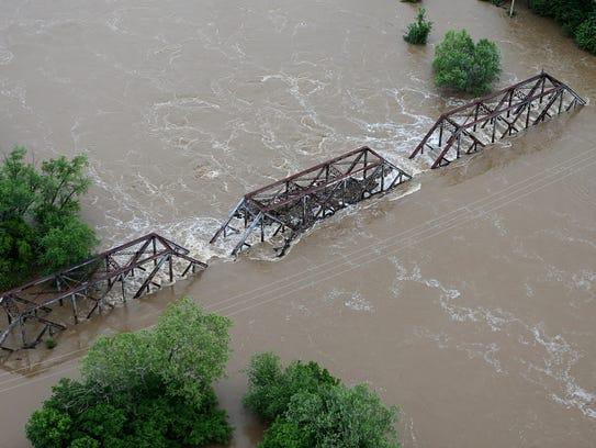 Arkansas, Missouri flooding: Aerial images show water ...