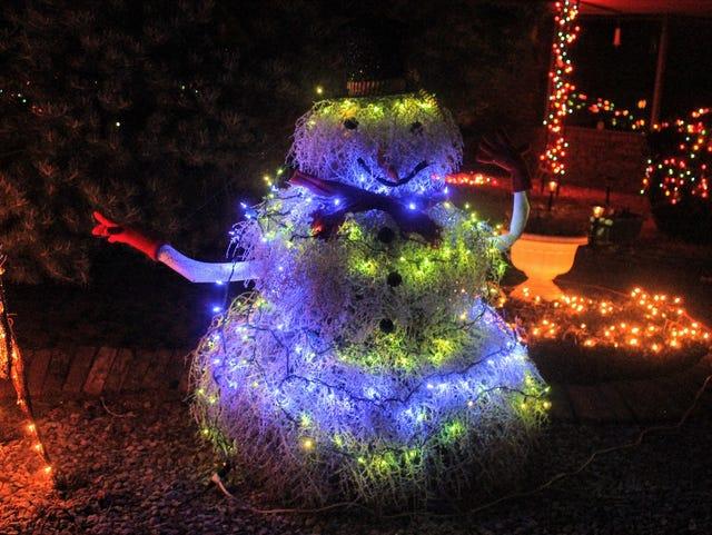 Snowless Christmas Eve Walk >> Alamogordo Shines Bright For Christmas