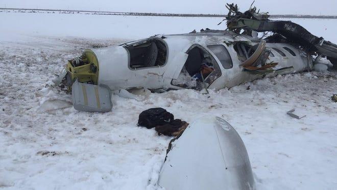 A Tucson couple died in a plane crash outside Salt Lake City on Monday.