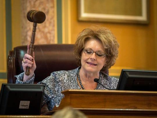Speaker of the House Linda L. Upmeyer gavels in the