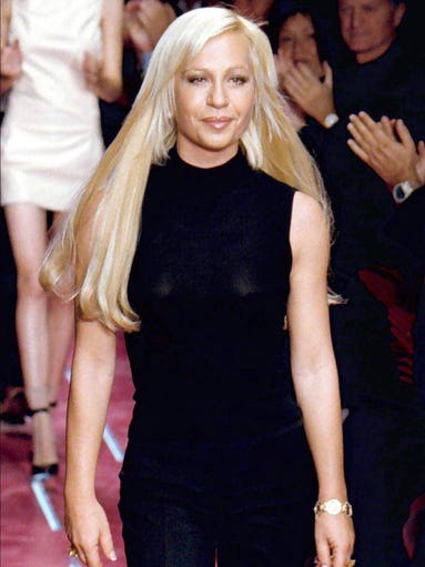 39 gianni versace 39 cast and real life counterparts for Donatella versace beach