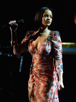 Singer Rihanna did not make her scheduled performance at the Grammys Monday after a doctor put her on vocal rest.