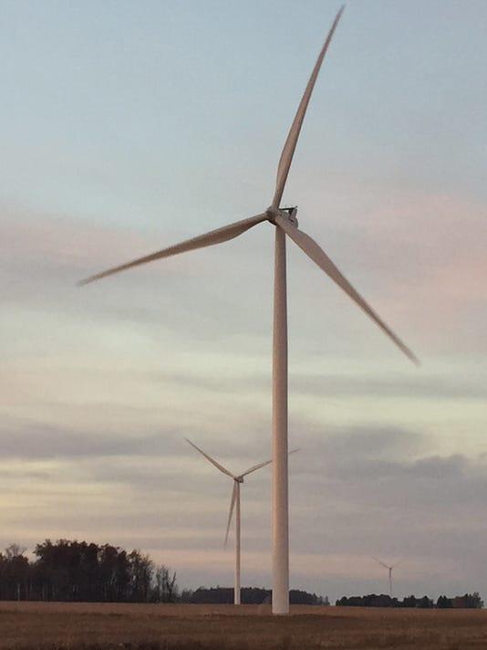 636213667788093779-RCHBrd-12-04-2016-RCH-1-A002--2016-12-03-IMG-wind-farm-4.jpg-1-1-9BGIBNN3-L928173341-IMG-wind-farm-4.jpg-1-1-9BGIBNN3.jpg