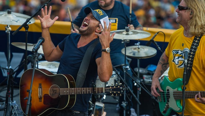 Luke Bryan kicks off the broadcast for Stanley Cup Final Game 6 on Sunday, June 11, 2017 with a performance at Tootsie's.