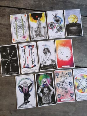 Weekly Tarotscopes readings are available each Monday