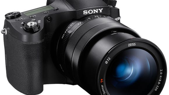 Sony RX10IV has a super zoom in a compact body