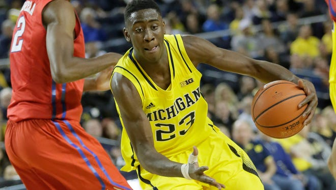 Michigan's Caris LeVert goes to the basket during Saturday's loss to SMU at Crisler Center.