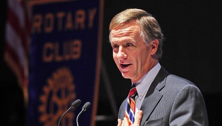 Gov. Bill Haslam speaks to the Nashville Rotary Club.