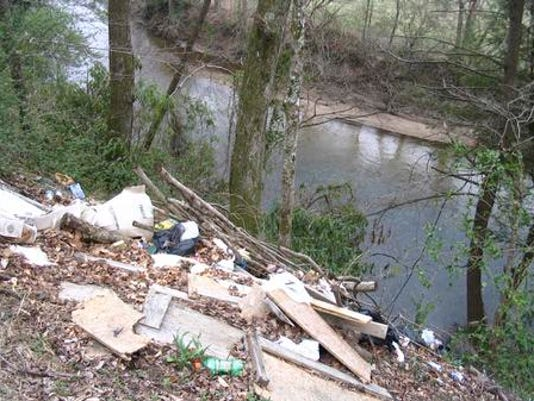 635593524021891746-river-clean-up