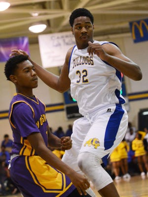 Carroll and Wossman split both district matchups last season. Wossman beat Carroll on a neutral floor to secure the LHSAA district-champion power point.
