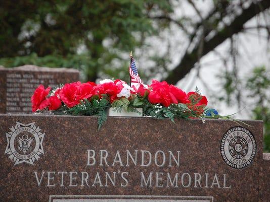 635999755688653313-Veterans-Memorial.jpg