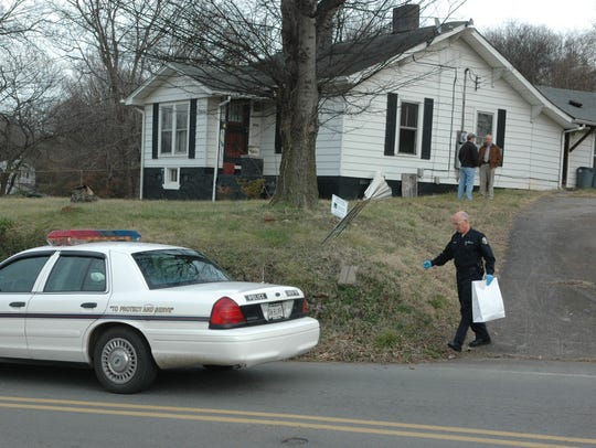 Police remove evidence after arresting Lemaricus Davidson