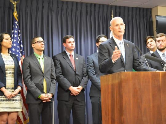 Gov. Rick Scott speaks with student government association leaders from across the state.